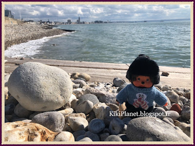 monchhichi kiki plage mer le havre sainte-adresse, normandie mer galet