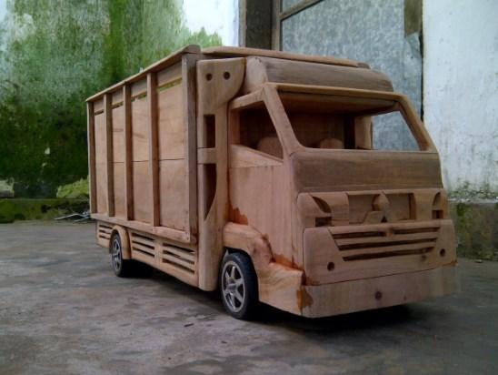 miniatur truk kayu yang kece