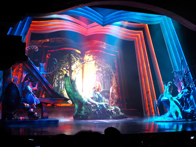 Scene with Ariel, Rapunzel and Merida from Mickey and the Wondrous Book stage show | Disneyland Hong Kong
