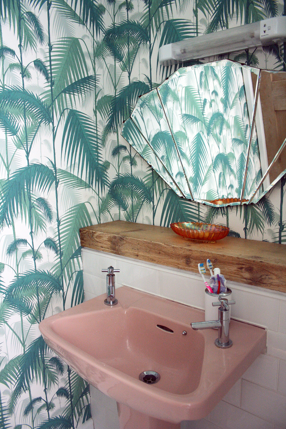Pink bathroom suite - We Stayed A Little Contemporary With The Tiles And Chose White Beveled Subway Tiles For The Bath And Sink Area We Used A Piece Of Scaffolding Left Over