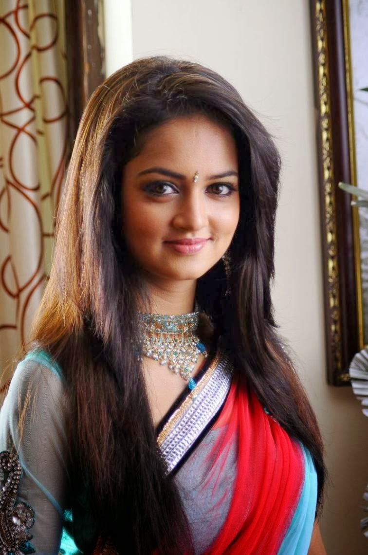 Crazy Cute Wallpapers Actress Shanvi Latest Cute Photos In Red Saree Live Updates