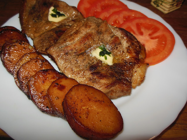 Свински пържоли на тиган с масло