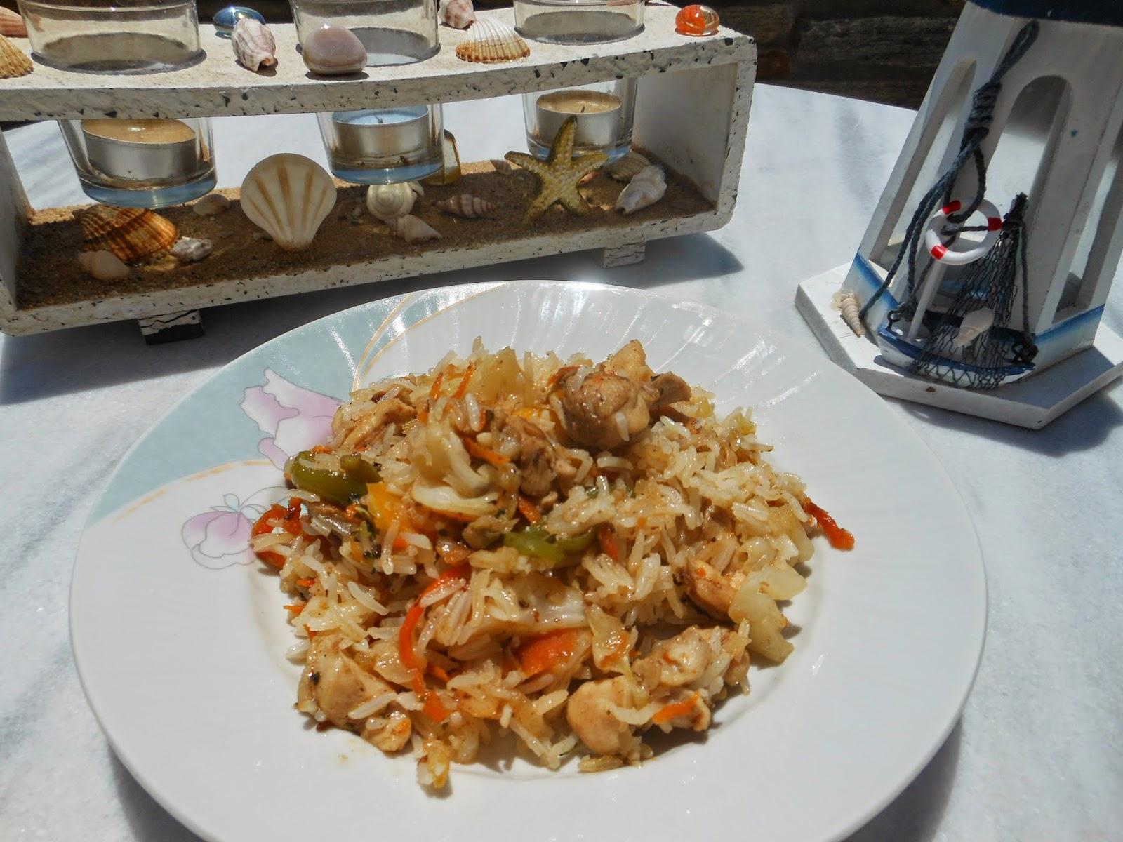 Koτόπουλο  με  ρύζι  και  λαχανικά