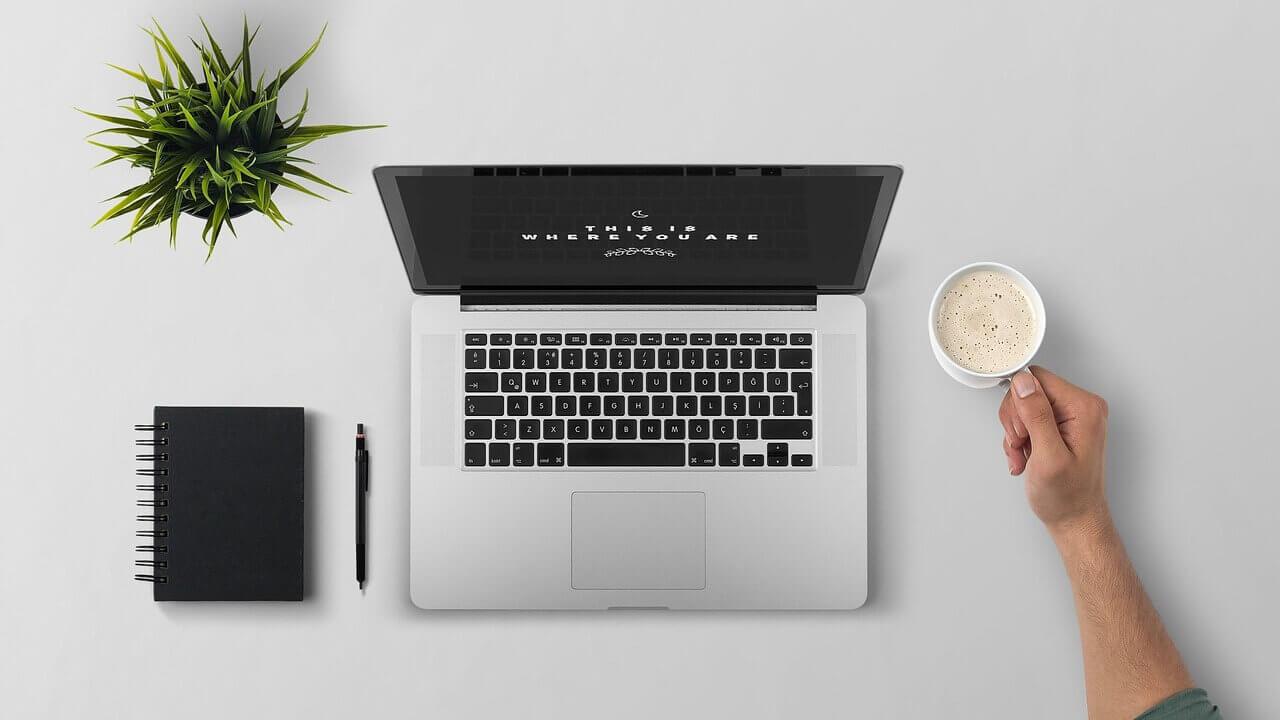 menghidupkan laptop baru