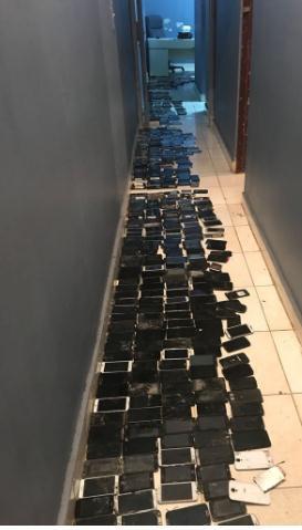 Apresan a cuatro hombres con 406 celulares robados