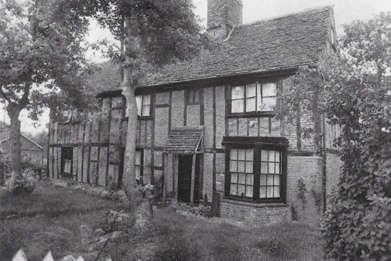 Photograph of Lower Bell Farm, Bell Lane. A grade II listed building, c.1930. The earliest part was built in 1540.