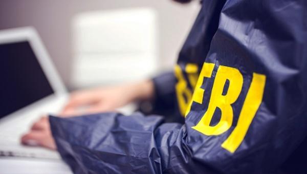 FBI difunde interrogatorio sobre correos de Hillary Clinton
