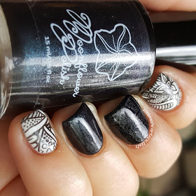 moonflower-polish-LE-Perla-Negra-Swatch-Shade-2
