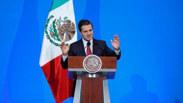"""Piden a Peña Nieto no promulgar """"Ley Chayote"""" en México"""