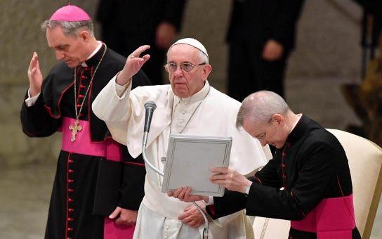 Papa Francisco enviará seis millones de euros al este ucraniano