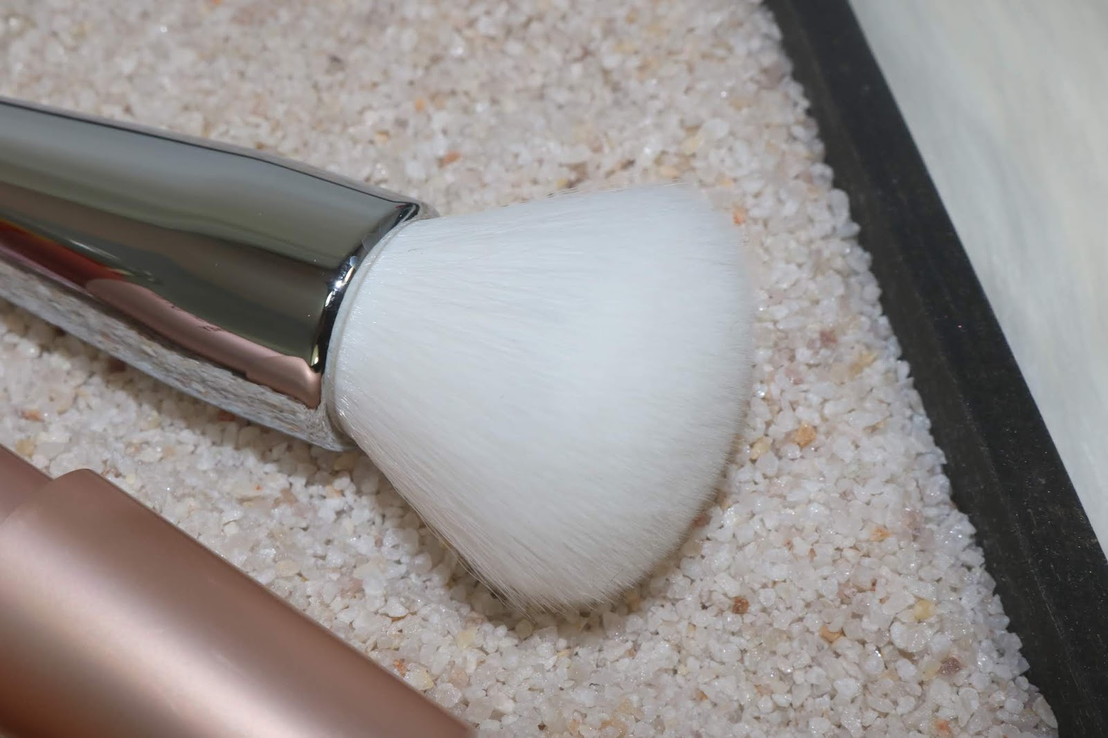IT Cosmetics Heavenly Skin CC+ Skin-Perfecting Brush