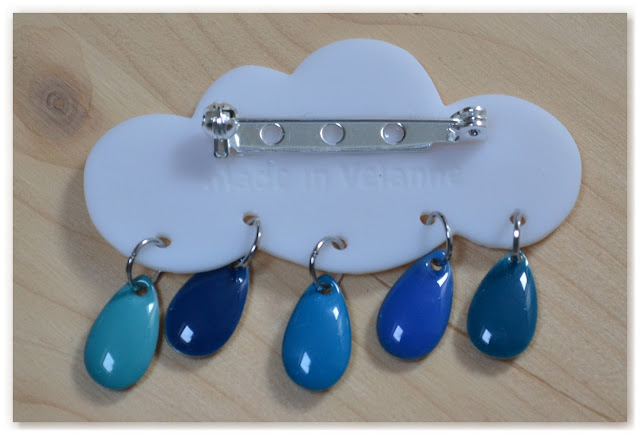 verso broche nuage et gouttes bleues