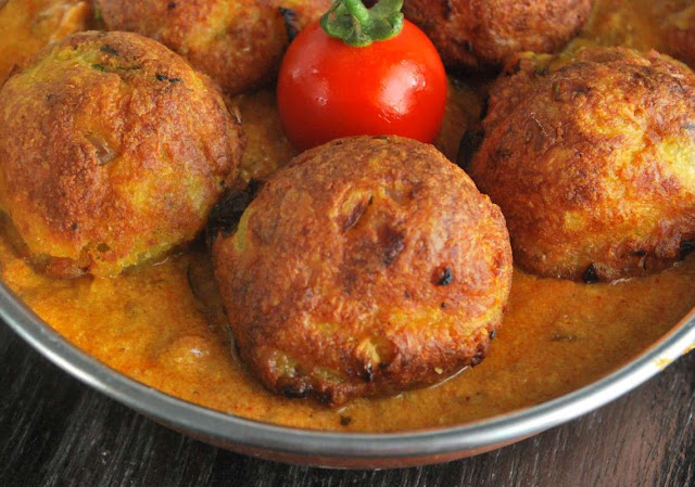 http://www.indianlazizkhana.com/2016/06/healthy-coconut-and-paneer-kofte.html