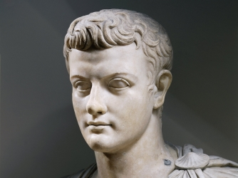 Caligula kaisar yang maniak dan hiper seks