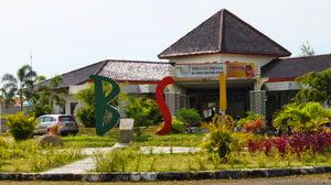 Waterboom Bojongsari Indramayu (BSI), arena rekreasi bernuansa alam Bali