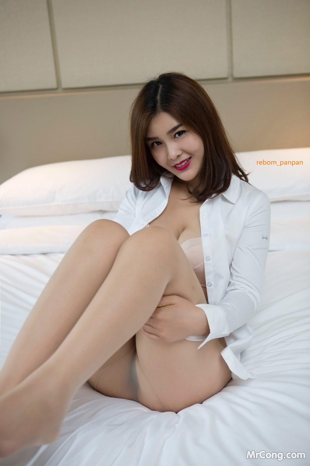 Image Yan-Pan-Pan-Part-4-MrCong.com-012 in post Người đẹp Yan Pan Pan (闫盼盼) hờ hững khoe vòng một trên giường ngủ (40 ảnh)