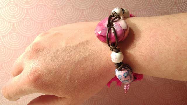 http://birdieaccessoires.nl/product/ibiza-boho-organic-vrolijke-armband-keramiek-porcelein-fimo-klei-leer-sari-silk