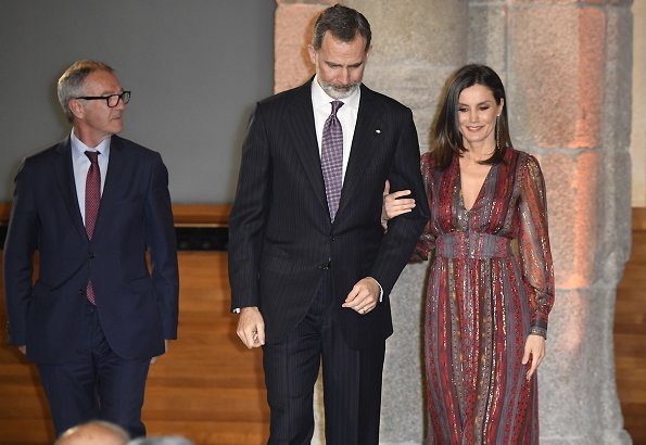 Queen Letizia wore Intropia Lurex details silk midi dress and LODI burgundy suede ankle strap pumps