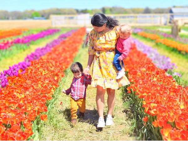 Mommy & Me Tulips Photo Shoot