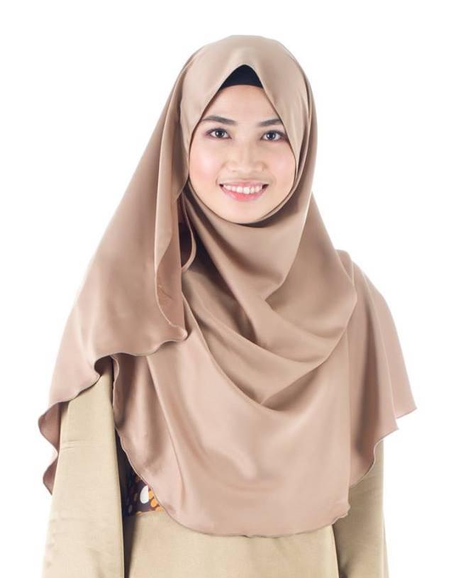 Yang Berkulit Sawo Matang Pilih Baju Berwarna Ungu Maroon Agar Lebih Terlihat Menarik Warna Tersebut Jika Digunakan Akan Membuat Anda Nampak