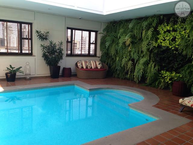 l`Hotel Portobay SP piscina