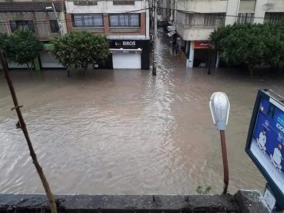 بالفيديو : أمطار طوفانية تغرق شوارع وبلديات الشلف