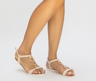 Sandale bej simple de vara ieftine cu talpa joasa si accesorii aurii