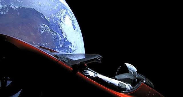 Σε εξέλιξη η παρθενική πτήση του Falcon Heavy (Βίντεο)
