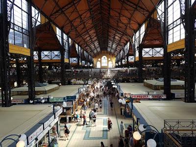 Interior del Gran Mercado de Budapest