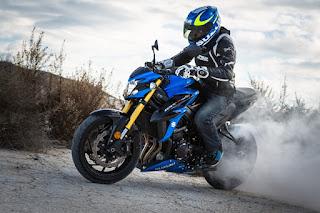 Suzuki-gsx-s750-quemar-rueda