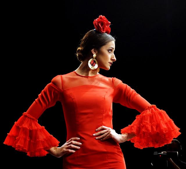 vestido-flamenca-rojo-Pilar-Vera