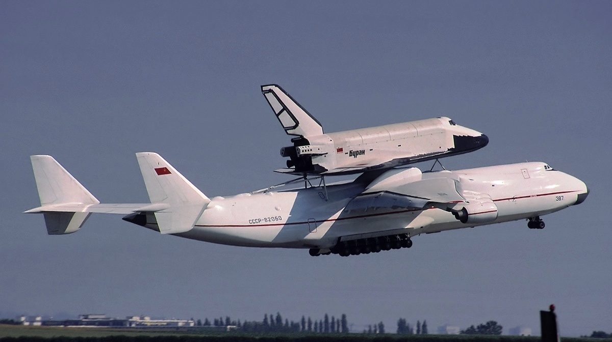 Antonov 225 Space Shuttle - Pics about space