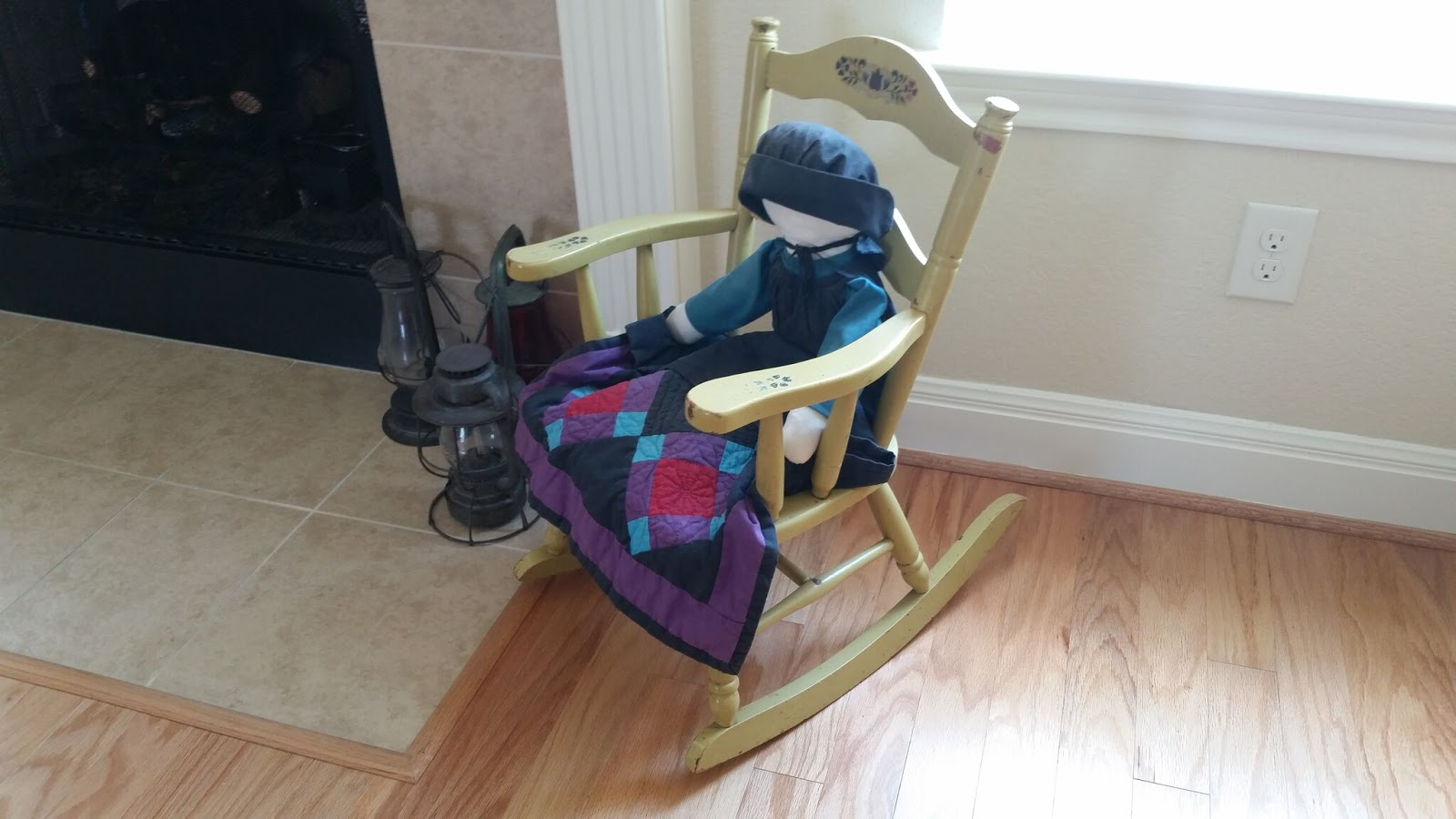 aunt priscilla has a rocking chair low profile beach chairs linda chontos decorating by part 3