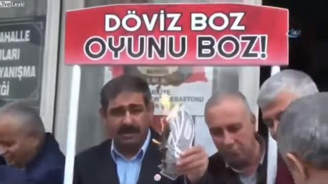 Gelombang Anti-Amerika Meluas di Turki, Warga Ludahi dan Bakar Dolar