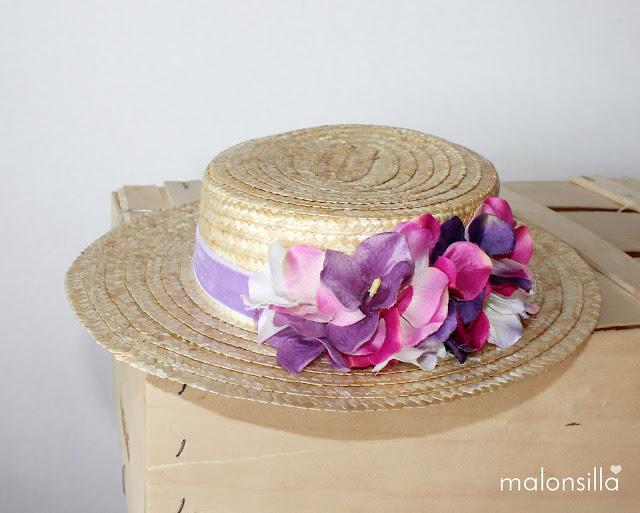 Canotier de copa baja en color malva y flores rosas y lila