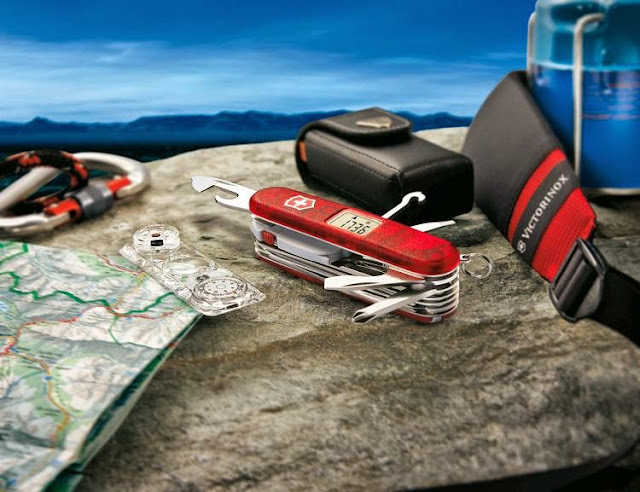 Must Have EDC Gear and Gadgets - Victorinox Expedition Kit
