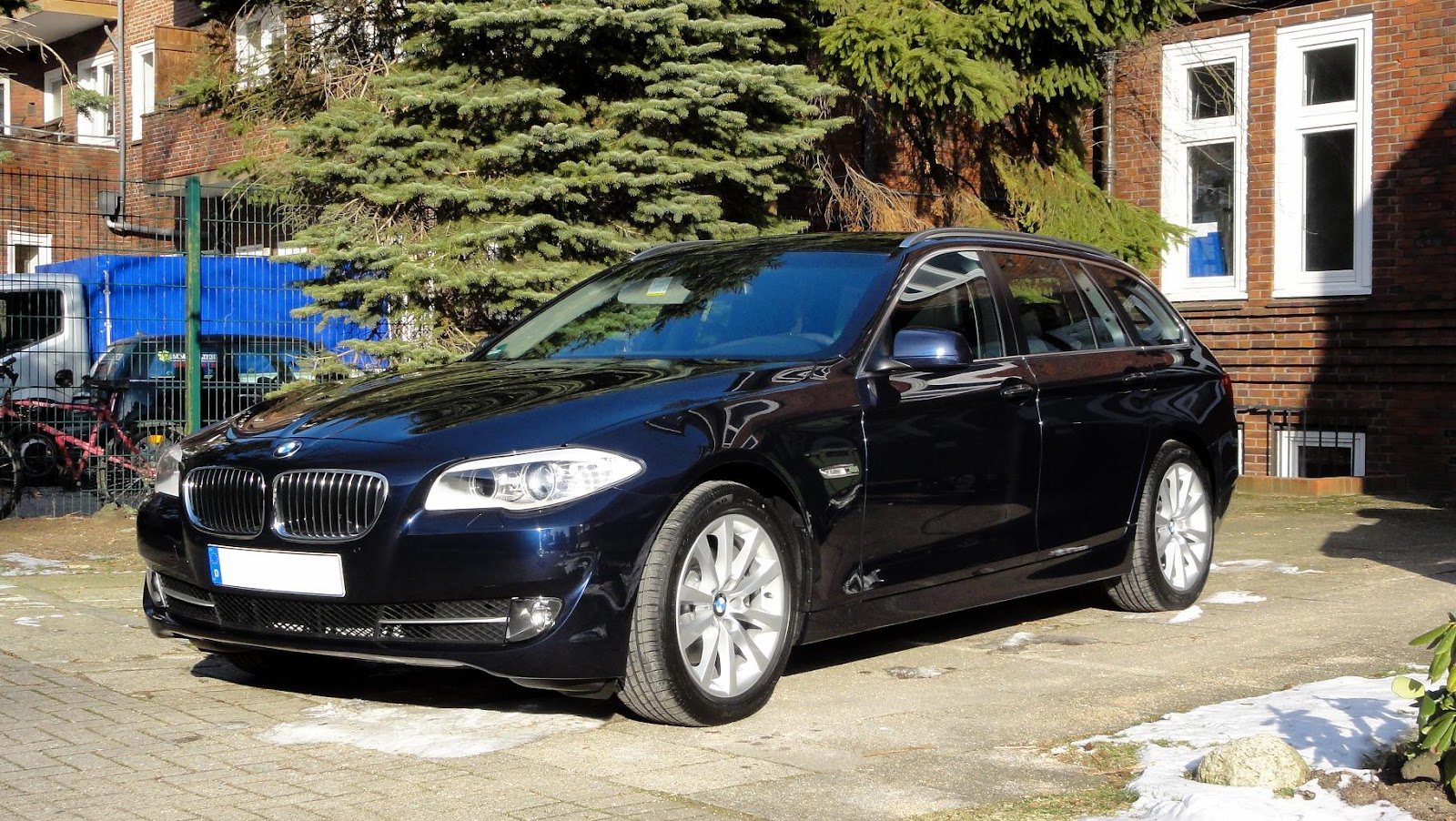 Guitigefilmpjes 2012 Bmw 520da Touring Pictures Video