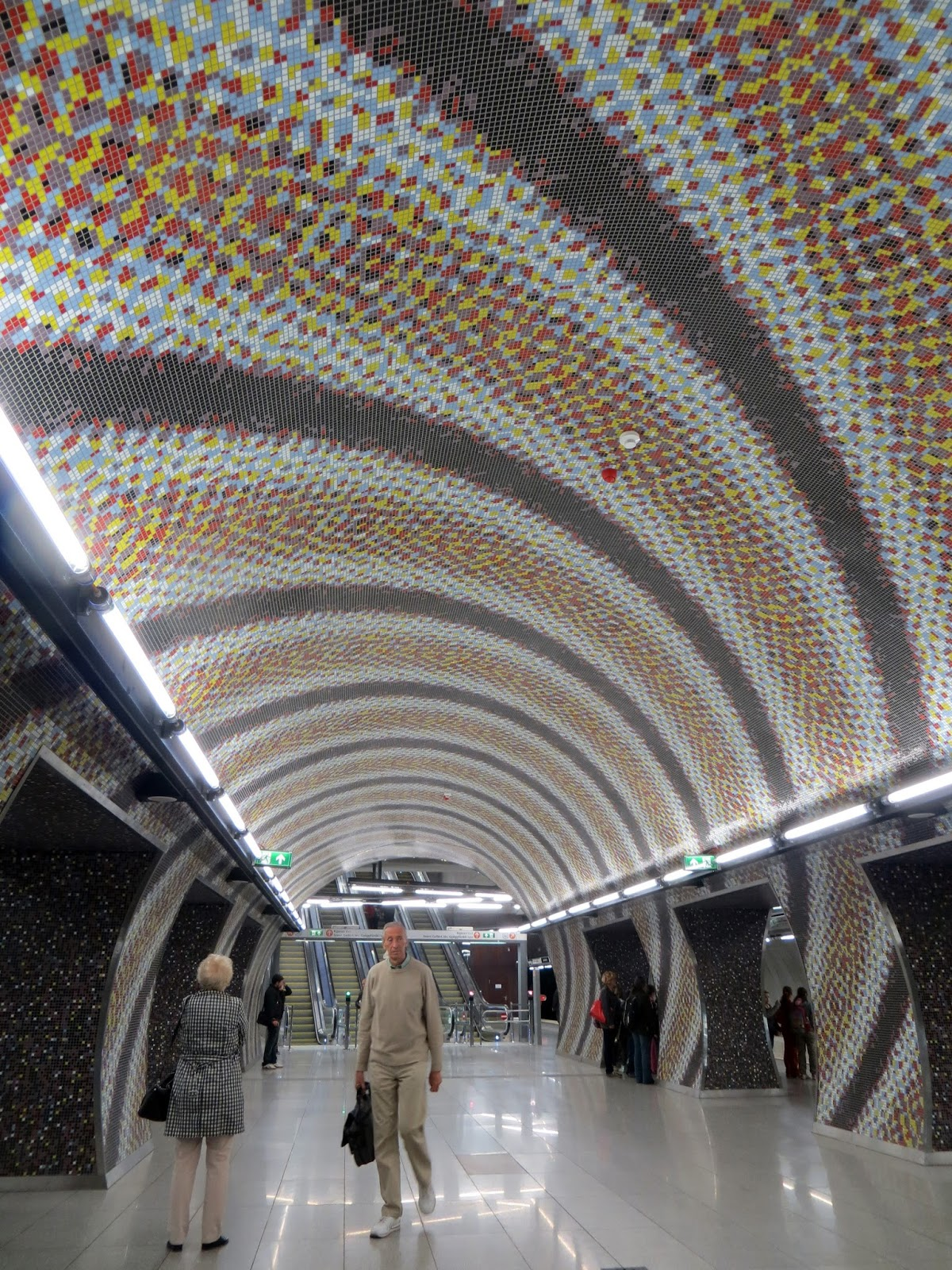 Budapest, photography, night time, architecture, travel, blog, adventure, exploration, metro 4