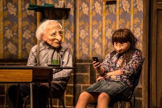 Un abuelo incomprendido y su nieta en Solitudes