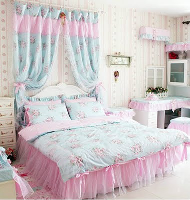 Young Chic And Social Small Spaces Dorm Room Inspo