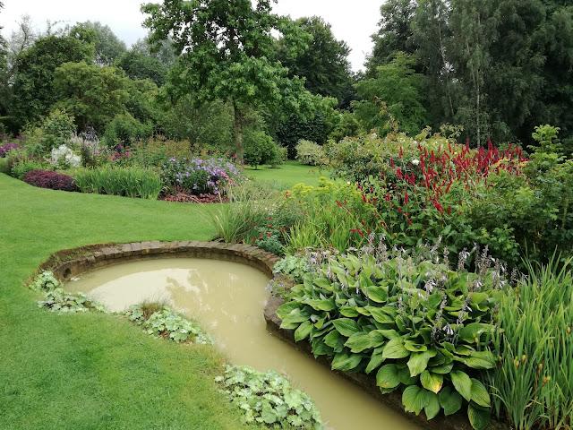 ogród angielski, rabaty bylinowe