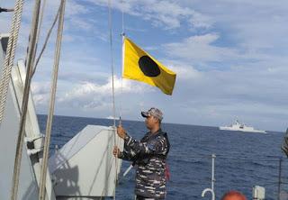 KRI Halasan-630 Adakan Latihan Bersama  Dua Kapal Perang Perancis di Laut Jawa