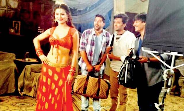 Urvashi Rautela with Aftab Shivdasani, Vivek Oberoi and Riteish Deshmukh in Great Grand Masti. Indra Kumar