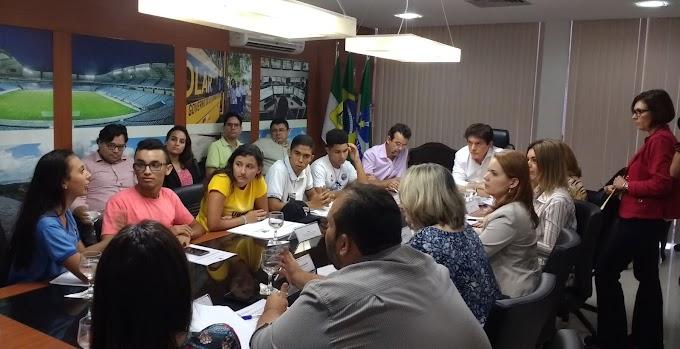 Ocupação da SEEC: governador dialoga com estudantes e é receptivo à pauta de reivindicações