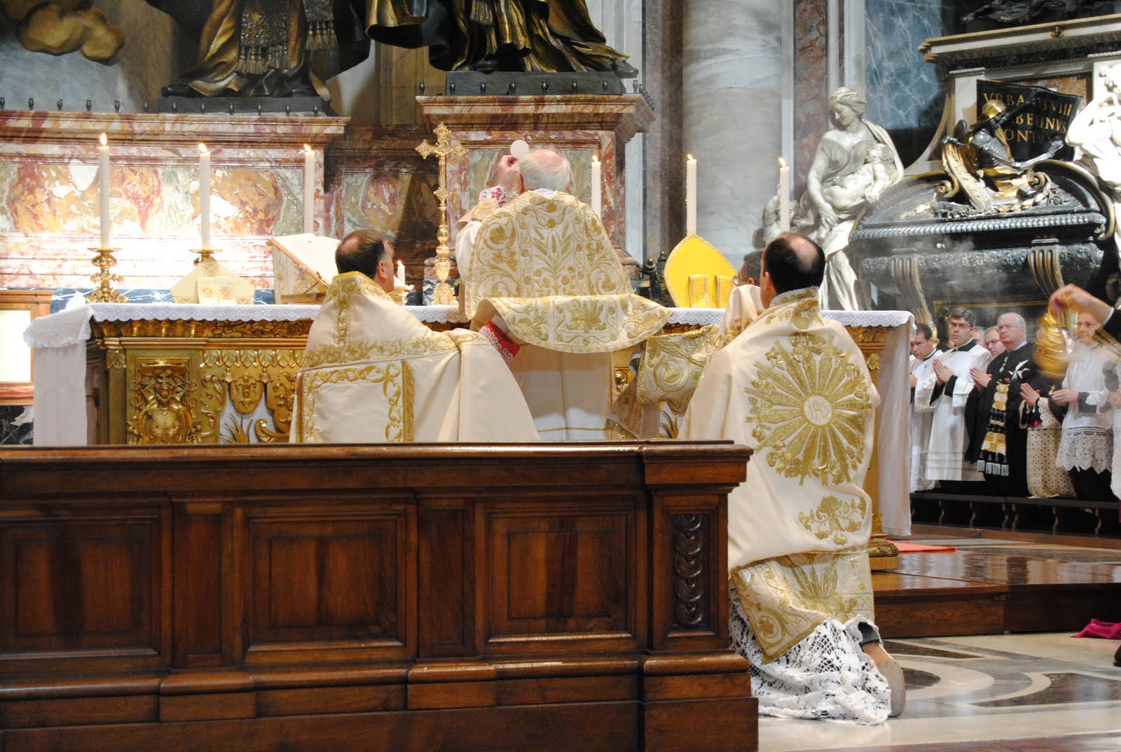 Rorate C Li Mass At The Altar Of The Chair Of Saint