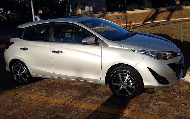 Toyota Yaris XLS 1.5 CVT 2019 - Prata Lua