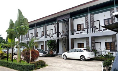 http://www.hotels2thailand.com/chiang-rai-deals/at-chiang-rai-resort-04820301.html
