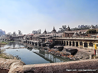 Relato da viagem à Khatmandu - Nepal, uma cidade surpreendente sob vários aspectos e suas vizinhas Pathan e Bhaktapur e as Durbar Squares.