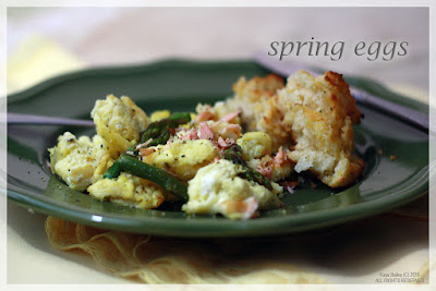 http://livingafterwls.blogspot.com/2016/04/spring-eggs-with-salmon-asparagus.html