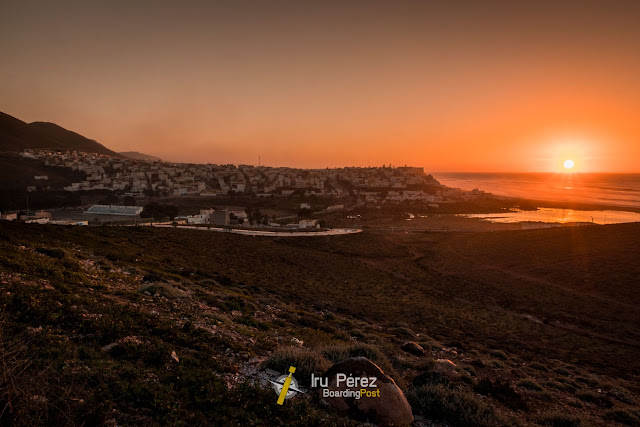 Atardecer sobre playa de Sidi-Ifni